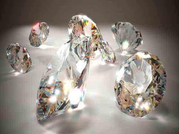 Ngủ mơ thấy kim cương đánh con gì trúng lớn?