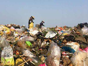 Nằm mơ thấy rác là điềm báo gì?