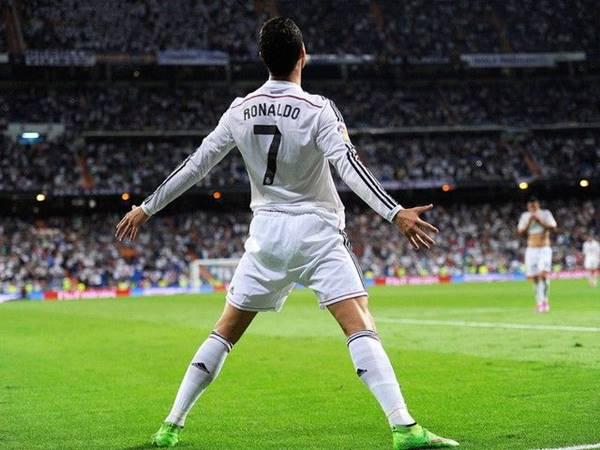 Chiều cao của Ronaldo là bao nhiêu và những mẹo gian lận chiều cao
